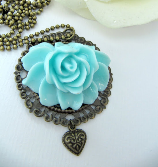 Vintage style blue flower necklace, turquoise, romantic jewelry