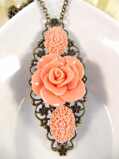 Vintage style peach flower necklace