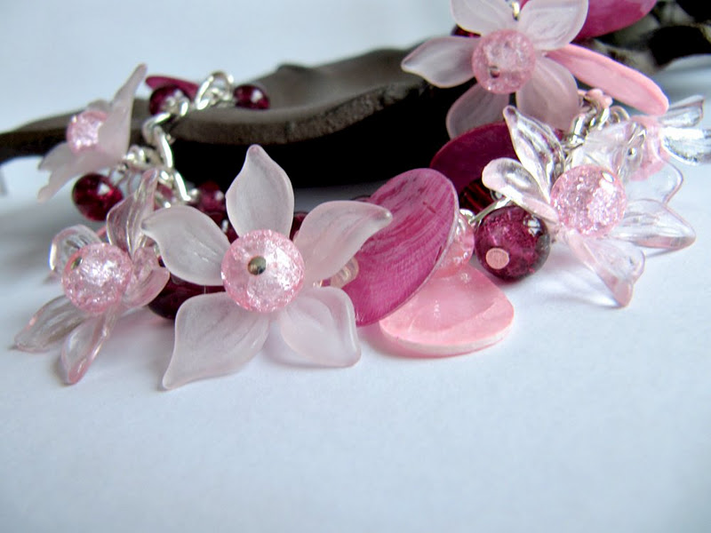 Pink chunky flower bracelet with free flower pink ring